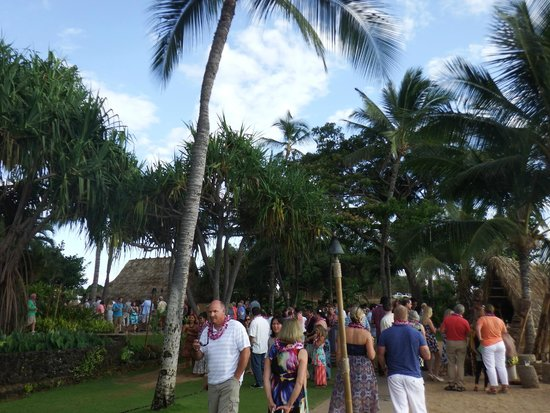 Old Lahaina Luau : Grounds before the show