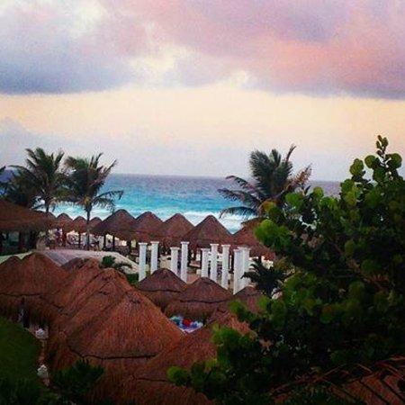 Fiesta Americana Condesa Cancun All Inclusive: Vista do quarto (vista jardim, lado esquerdo)