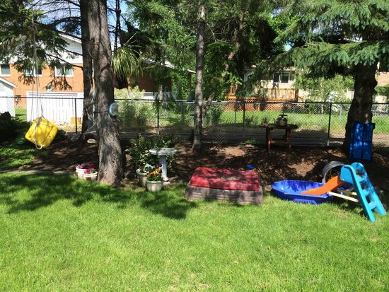 Glacier Park Bed and Breakfast: Summer Play Area