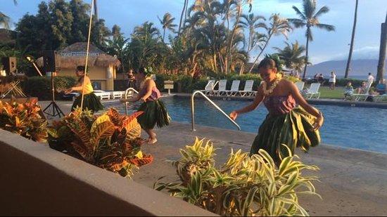Royal Lahaina Resort: Hotel entertainment