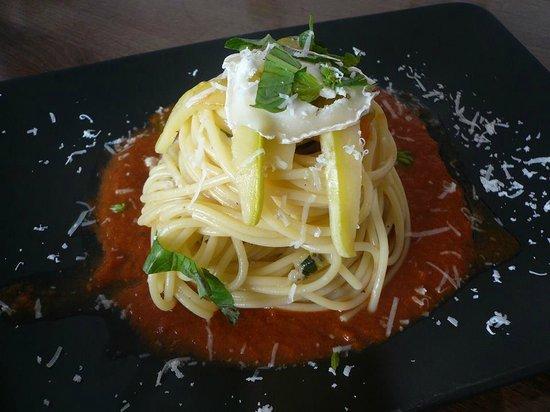 Itanolo: spaghetti con zucchine