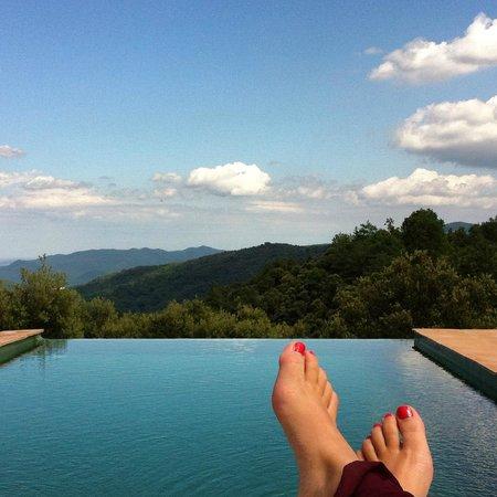 Masia El Puig : Relajandome en la piscina
