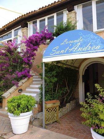 Hotel Sant'Andrea: The entrance in Via Zara