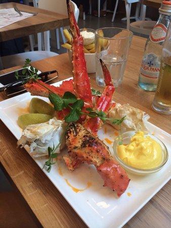 The Seafood Bar : King crab!