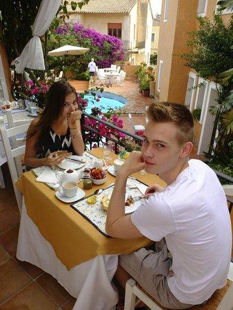 Hotel Sant'Andrea: Al fresco dining
