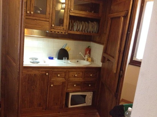 Hotel Mastino: micro ondas, fogao  geladeira