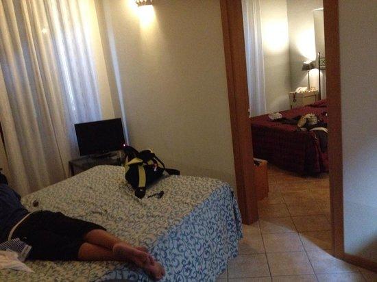 Hotel Mastino: sala que se transformou quarto