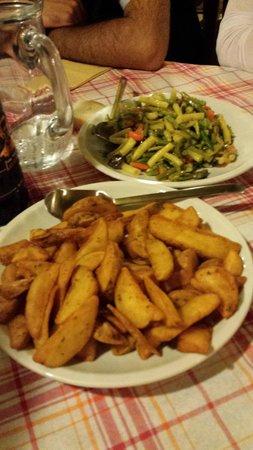 Trattoria Romagnola La Spadellata: patate al forno e verdure
