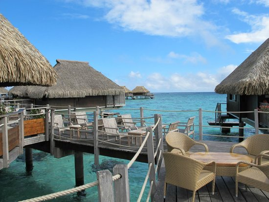 Hilton Moorea Lagoon Resort & Spa: Crêperie sobre el agua