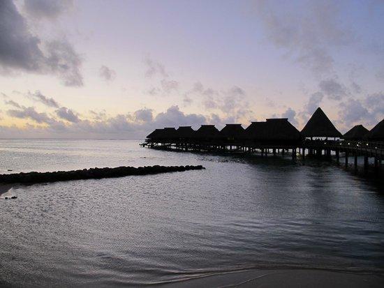 Hilton Moorea Lagoon Resort & Spa : Puesta de sol...