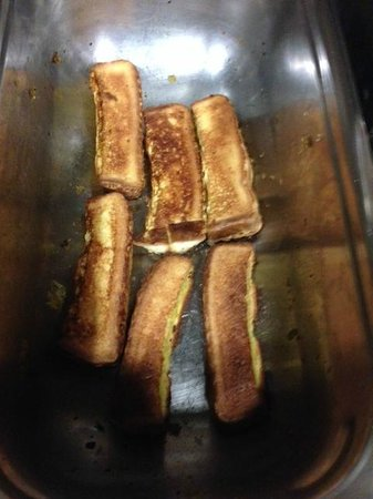 Hampton Inn Pell City: Mystery food…