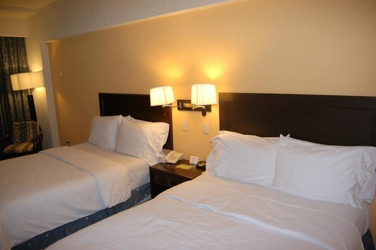 Gamma Campeche Malecón: кровати