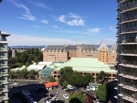 Victoria Marriott Inner Harbour: View from 11th floor (room 1110)