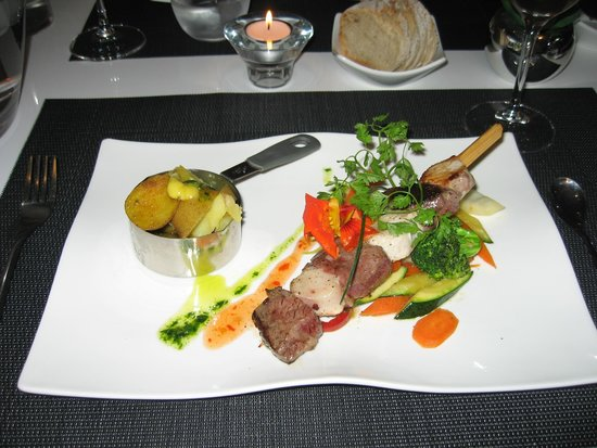 Le Particulier : beef and swordfish