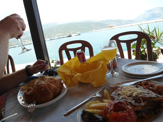Apollonion Resort & Spa: Mermaid Resturant (Sami Harbour)