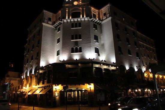 Hotel Salta: Frente del Hotel