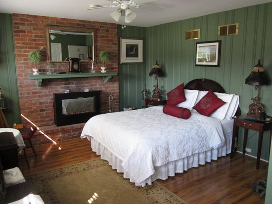 The Irish House Bed and Breakfast : Queen room