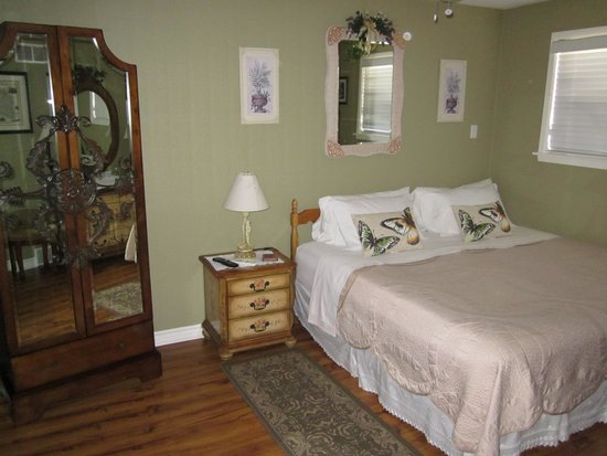 The Irish House Bed and Breakfast: King (Double )room