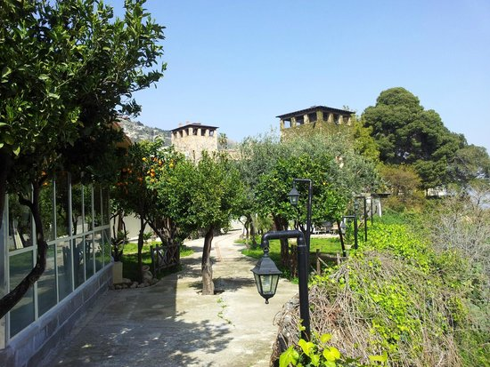 Un particolare lassa sala picture of il giardino degli aranci monreale tripadvisor - Il giardino degli aranci frattamaggiore ...