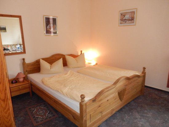 Hotel Am Sutschke-Tal: The bed