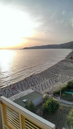 Hotel Il Faro : tramonto verso punta Licosa