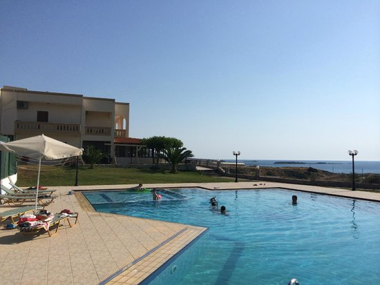 Panorama Hotel : pool with hotel