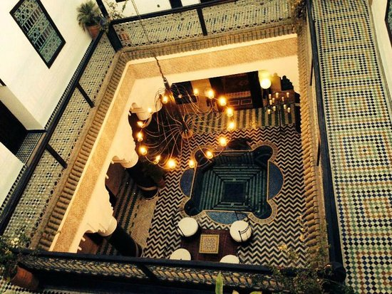 Riad El Mansour: Courtyard