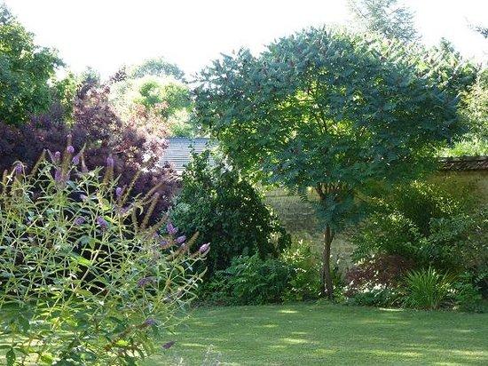 Le Chartil Des Arts : un petit tour au jardin