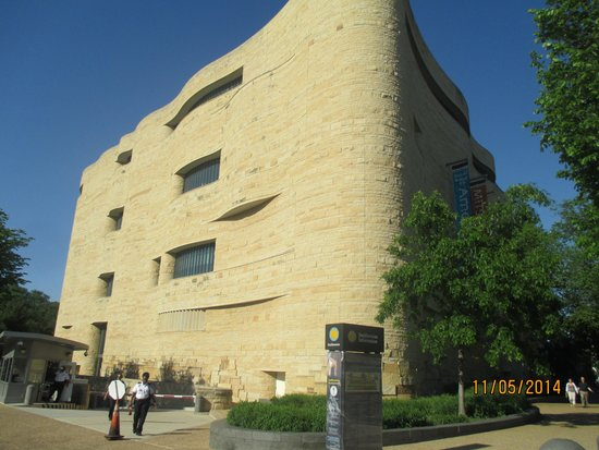 National Museum of the American Indian : Le batiment