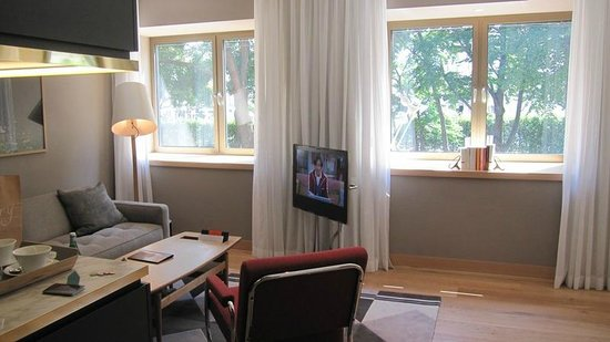 The Guesthouse Vienna: Bang & Olufsen TV/Audio - Enjoy HD FIFA Worldcup matches & the music from our iPod/iPhone