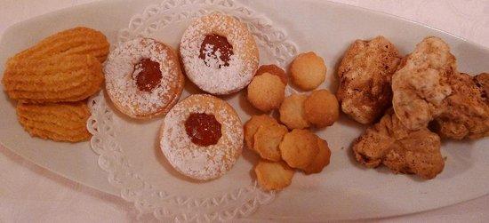 Trattoria Marsupino: Kekse zum Cafe