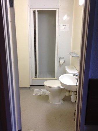 Pollock Halls - Edinburgh First: Badezimmer