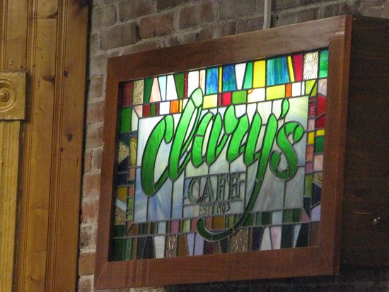 Clary's Cafe : stained glass