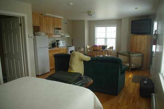 Point of View Suites at Louisbourg Gates : Our Room