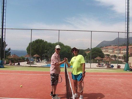 Neilson Vounaki Beachclub: Tennis come back?