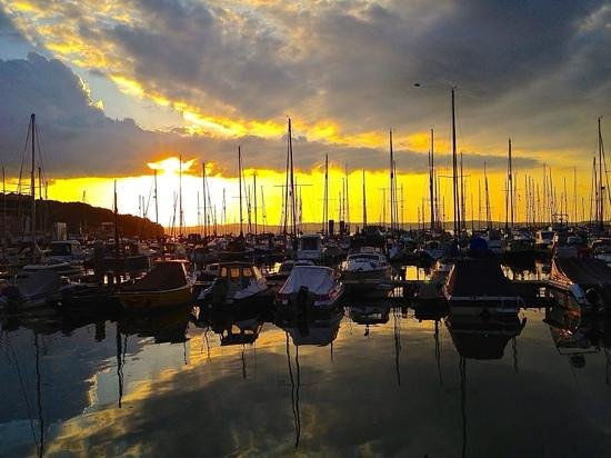 The Breakwater Bistro: view over the marina
