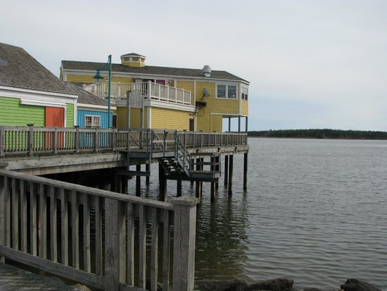 Loyalist Lakeview Resort Summerside: Harbour Side Shops