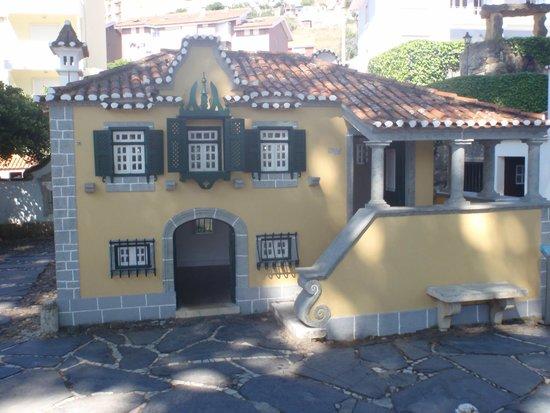 maison portugaise photo de portugal dos pequenitos coimbra tripadvisor. Black Bedroom Furniture Sets. Home Design Ideas