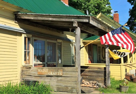 Hungry Hollow Country Store: entry