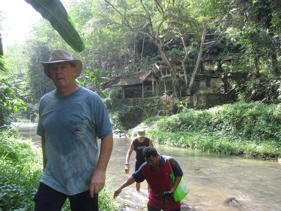 Villa Selat : jungle hike