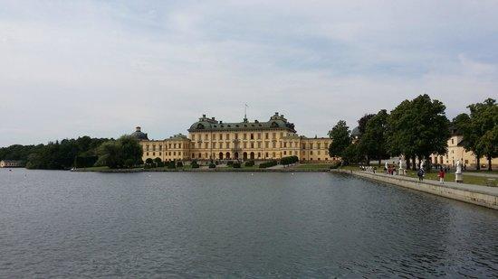 Drottningholm Palace: Palace on the lake