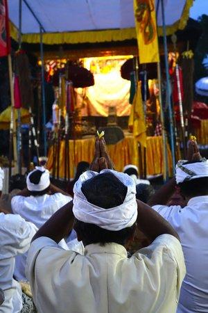 Villa Selat : village temple ceremony