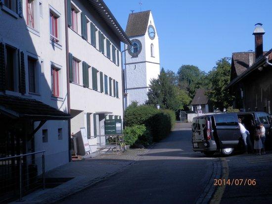 Hotel Loewen: Отель Лёвен (фасад выходит боковую улицу)