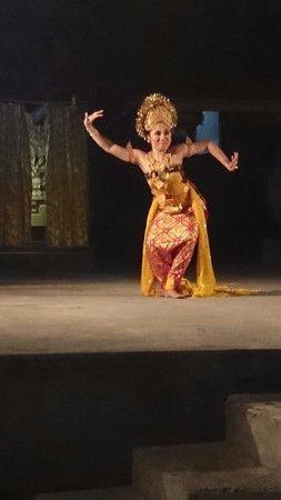 Ganesha Cafe: 素敵なダンス