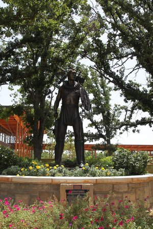 Chickasaw Cultural Center : Chickasaw Warrior Statue