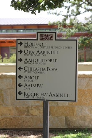 Chickasaw Cultural Center : English and Chickasaw language sign