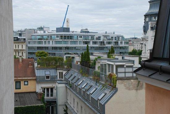 Hotel Beethoven Wien: вид из окна номера