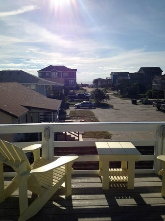 Cape Hatteras Bed and Breakfast : View from the second floor shared deck