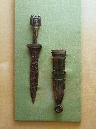 Museo de Burgos : Puñal o daga