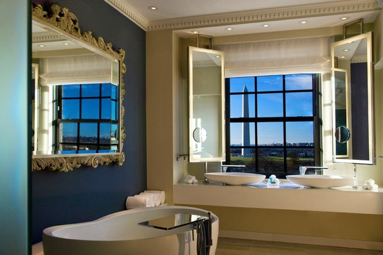 W Washington DC EWOW Bathroom
